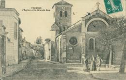 94 FRESNES / L'Eglise Et La Grande Rue / - Fresnes