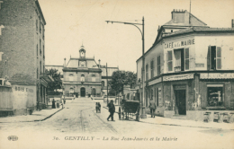 94 GENTILLY / La Rue Jean Jaurès Et La Mairie / - Gentilly