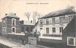 62 - Ransart - La Mairie - Les Ecoles - Une Belle Pose Au Portail - Autres Communes