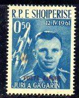 257 - 490 - ALBANIA 1962 ,   Posta Aerea  Yvert N. 57  ***  Punto Di Colore In Gomma - Albania