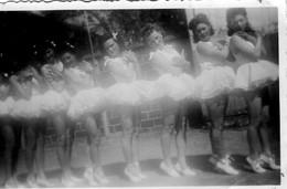 DANSEUSES EN TUTU   MAI 1944 - Anonymous Persons