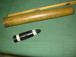 Douille Tchécoslovaque 4cm VZ36 1939  Et  Obus 37 Mm Non Identifié - Decorative Weapons