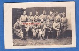 CPA Photo - Beau Portrait De Poilu Du 144e Régiment - Voir Uniforme & Chien Mascotte  - WW1 - Dog Hund - Guerra 1914-18