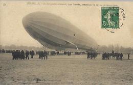 Lunéville  Un Dirigeable Allemand , Type Zeppelin , Atterrit Sur Le Terrain  De Manoeuvre - Luneville