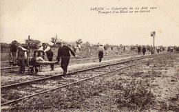 17)   SAUJON    -  Catastrophe   Du 14 Aout  1910 -    Transport   D'un Blessé Sur Un Charriot - Saujon