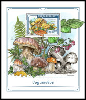 MOZAMBIQUE 2018 MNH** Mushrooms Pilze Champignons S/S - IMPERFORATED - DH1818 - Pilze