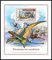 MOZAMBIQUE 2018 MNH** Flying Dínosaurs Flugsaurier Dinosaures Volants S/S - IMPERFORATED - DH1818 - Briefmarken