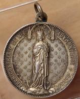 Médaille Religieuse Archiconfrérie De ND Auxiliatrice * DRANCY - France