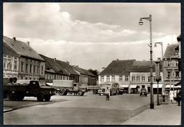 B4042 - Luckenwalde Platz Der Jugend - LKW Transporter Auto Cars - Bus Ikarus ??? Straßenszene - FOKU - Transporter & LKW