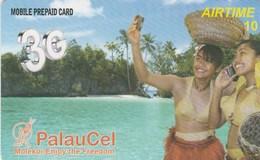 Palau - Women With Mobiles - 3G - Palau