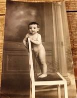 Carte Photo, Enfant Nu , Très Rare - Fotografía
