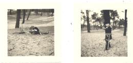 Jeu, Jouet, Panoplie De COW - BOY - Lot De 2 Photos ( +/- 6 X 6 Cm) D'un Enfant Jouant En 1954 (b230) - Toy Memorabilia