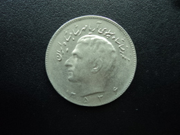 IRAN : 10 RIALS  2536 (1977)   KM 1179    SUP - Iran