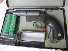 PISTOLET De DEFENSE - Decorative Weapons