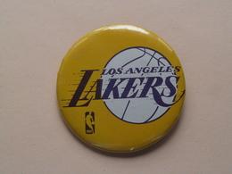 Los Angeles LAKERS : Older Button / Speld / Epingle ( +/- 56 Mm. ) Zie Photo / Foto Voor Detail ! - Los Angeles Lakers