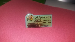 Pin's  FORD  MONDEO  AUTO  DEL L ANNO  1994 - Ford