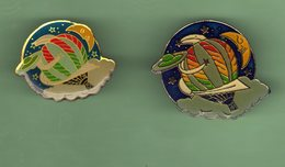MONTGOLFIERE *** Lot De 2 Pin's Differents *** A045 - Airships