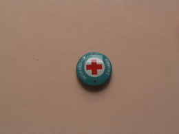 INTER MEDIATE SWIMMER ( Red Cross ) Older Button / Pin / Epingle ( +/- 2 Cm. ) Zie Foto Voor Detail / Metal Button ! - Natation