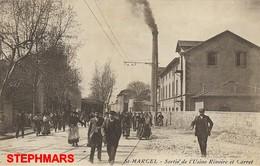 CPA 13 : MARSEILLE - SAINT MARCEL - SORTIE DE L'USINE RIVOIRE ET CARRET - édition GUIRAUD IP - Saint Marcel, La Barasse, St Menet