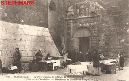 CPA 13 : N°105 - MARSEILLE SAINT VICTOR FÊTES CHANDELEUR MARCHANDES NAVETTES CIERGES PORTE ENTRÉE ABBAYE - éd SELECTA - Old Port, Saint Victor, Le Panier