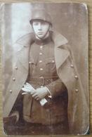 Photo Ancienne. Jeune Militaire. 13eme. De Ligne, 3eme Compagnie. Classe 33. Namur. Pas De Date. - War, Military