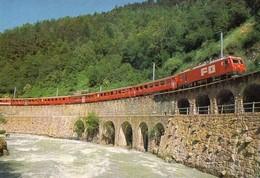 Glacier Express An Der Rhone Oberhalb Mörel (Wallis) - Eisenbahnen