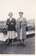 MINI-PHOTO---64---SAINT JEAN DE LUZ--août 1952--(  Sur Le Port  )---voir 2 Scans - Photography