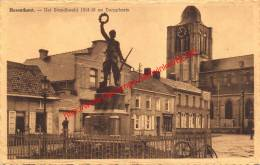 Het Standbeeld 1914-18 En Dorpplaats - Herenthout - Herenthout