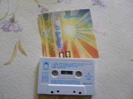 MICHEL SARDOU SYLVIE VARTAN 1 DUO COMPILATION ARTISTES K7 AUDIO VOIR PHOTO...ET REGARDEZ LES AUTRES (PLUSIEURS) - Audio Tapes