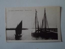 MANCHE   Saint Vaast La Hougue  Barques Au Port - Saint Vaast La Hougue