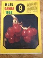 Magazine Nature 1982 Lithuania Animals Birds - Magazines