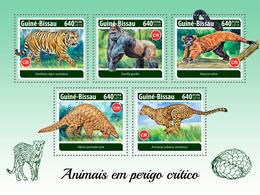Guinea Bissau. 2018 Critically Endangered Species. (306a) - Gorillas