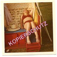 PIN-UP Original 1960s VINTAGE Photo Ca. 9 X 9 Cm - Junge Frau Im Roten Bikini - Erotique / Private / Unique - 1705601 - Pin-up