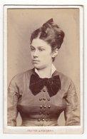 Photo CDV Format - Portraitfoto ± 1885 Schöne Junge Dame Frau Femme Woman - Fotograf: Reuter & Pokorny, Wien - Alte (vor 1900)