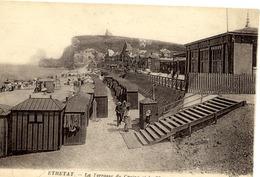 76 ETRETAT - La Terrasse Du Casino Et La Plage - ND Phot. N° 87 - Etretat