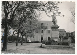 CPSM - BOUC-BEL-AIR (Bouches Du Rhône) - La Mairie, Monument Aux Morts. - Autres Communes