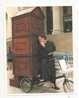 Cp, 22 X 17, Photo AFP , 1992 , Etats Unis , New York , Curé , Confesse à Vélo , 2 Scans, Frais Fr 1.55 E - Other