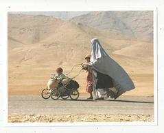Cp, 22 X 17, Photo AFP , 1996, AFGHANISTAN , SERAI KHOJA , Femme , Enfants , 2 Scans, Frais Fr 1.55 E - Afghanistan