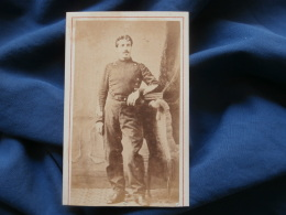 Photo CDV Anonyme - Second Empire Militaire Sergent Major Artillerie Vers 1865 L382 - Photos
