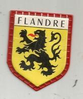 écusson Plastique , FLANDRE , Fromageries FINAS , Collection Des Blasons De France , 1 E Série : Les Provinces , N° 17 - Advertising