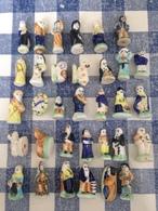 32/44 Feves Porcelaine Socle Vert Clair - Santons