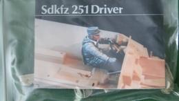 FIG CONDUCTEUR DE SDKFZ 251 - Small Figures
