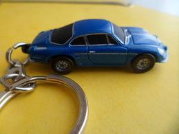 PC Keychain Key Ring émail Auto Voiture Automobile - Renault Alpine A110 - - Schlüsselanhänger