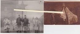 GEEL-2 FOTO'S-HISTORISCHE OPTOCHT-KINDEREN VERKLEED-MET STER-MUZIEK-PAARDEN OP STRAAT-AAN CAFE-JAREN '30? - Geel