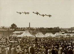 THE ROYAL AIR FORCE AT HENDON 1934    HAWKER AUDAX    19 * 14 CM Aviation, AIRPLAIN, AVION AIRCRAFT - Aviación