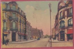 08 - RETHEL---Rue Pierre Curie-----animé---cpsm Pf Colorisée - Rethel