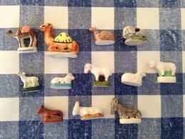 12 Feves Animaux De La Creche Differents Serie Mouton Dromadaire Elephant Ane - Santons