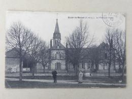 CPA (28) Eure Et Loir - OZOIR Le BREUIL - La Mairie Et L'Ecole - Frankrijk