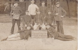 AK Foto Deutsche Soldaten In Döberitz - Reservisten Dackel - Humor - 1910 (34780) - Guerra 1914-18