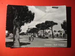 CARTOLINA   CESENATICO  VIALE CARDUCCI ANIMATA   B -  1294 - Rimini